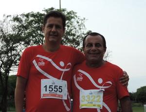 José Simão e Marco Passos durante caminha e corrida Move Brasil Sesc Thermas Prudente (Foto: Ronaldo Nascimento / Globoesporte.com)