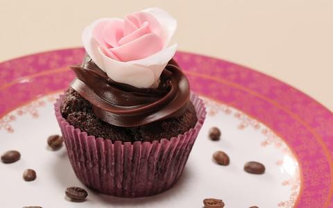 Cupcake de chocolate com brigadeiro de café