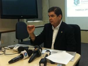 Tabela do IPVA 2012 foi divulgado nesta quarta pelo setário da Fazendo Mauro Filho (Foto: Aline Oliveira/TV Verdes Mares)