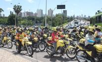 Mototaxistas fecham cruzamentos na Frei Serafim em protesto na capital (Fernando Brito/G1)
