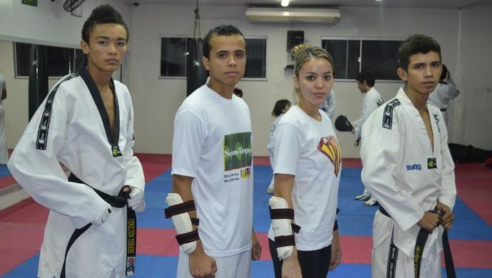 Atletas do taekwondo no AP treinam forte para Brasileiro da modalidade (Foto: Jonhwene Silva/GE-AP)