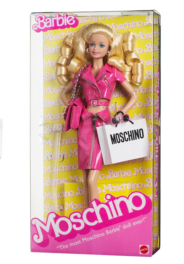 Quando lançou a coleção de verão 2015, a Moschino criou uma edição limitada (e quase inacessível) da boneca Barbie (Foto: Reprodução)