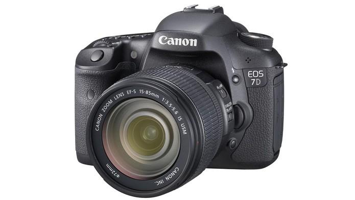 Além de ser uma ótima câmera profissional, a EOS 7D ainda é compatível com a maior parte das lentes da Canon (Foto: Divulgação/Canon)