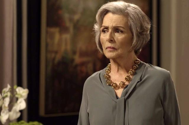 Irene Ravache é Sabine em 'Pega pega' (Foto: Reprodução)