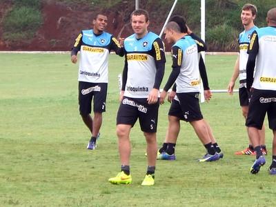 Marcelo Mattos Treino do Botafogo Chapecó (Foto: Gustavo Rotstein)