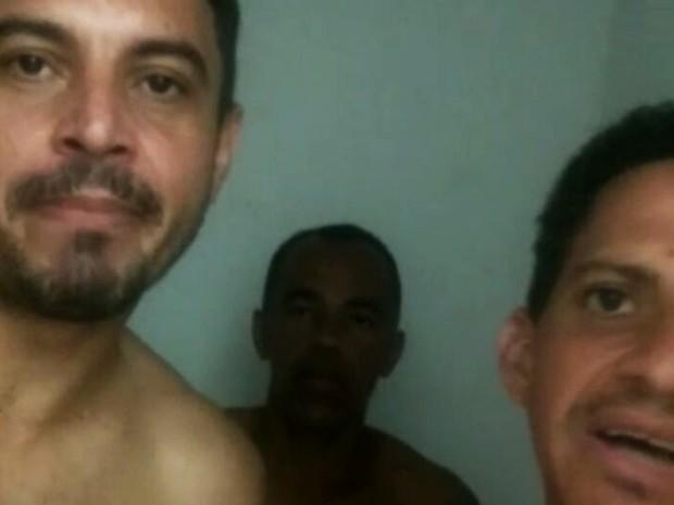 Presos que aparecem no vídeo fazem ameaças de morte a membros de facção rival (Foto: Reprodução/G1)