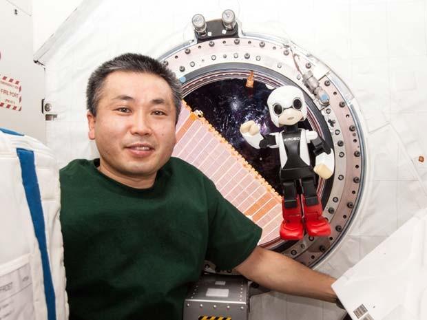 Kirobo, primeiro robô no espaço, conversou com astronauta japonês na Estação Espacial Internacional (Foto: AP Photo/KIBO ROBOT PROJECT)