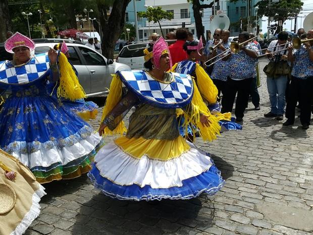 Clube Carnavalesco Misto Pão Duro faz cem anos em 2016 e recebe homenagem (Foto: Katherine Coutinho/G1)