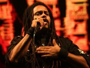 Falcão anuncia novo álbum durante o show em Fortaleza (Foto: Leo Paiva/ Divulgação)