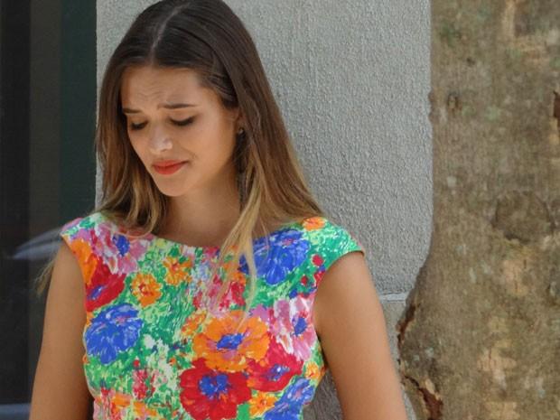 Fatinha cai no choro depois de tomar fora de Bruno no casamento de Isabela (Foto: Malhação / Tv Globo)
