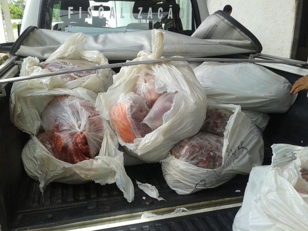 PRF apreende 500 kg de carne bovina em Alagoas (Foto: Divulgação/PRF)