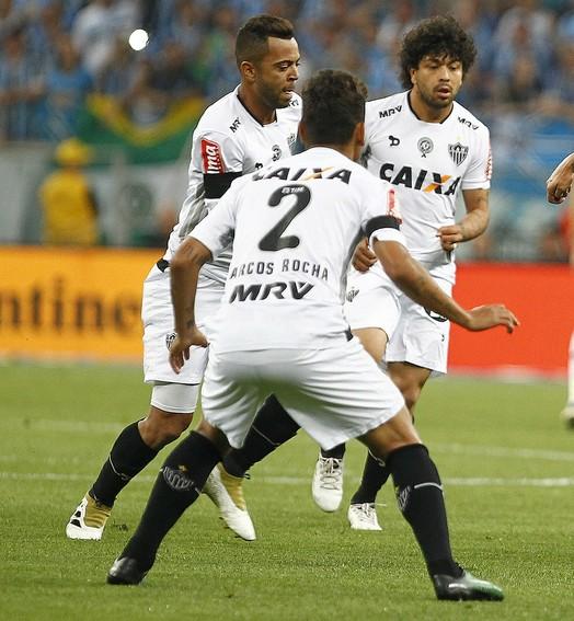 melhorou, mas... (Lucas Uebel/Divulgação Grêmio)