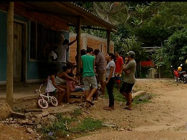 Família de pedreiro foi vacinada após confirmação da morte por febre amarela (Foto: Reprodução/Inter TV)