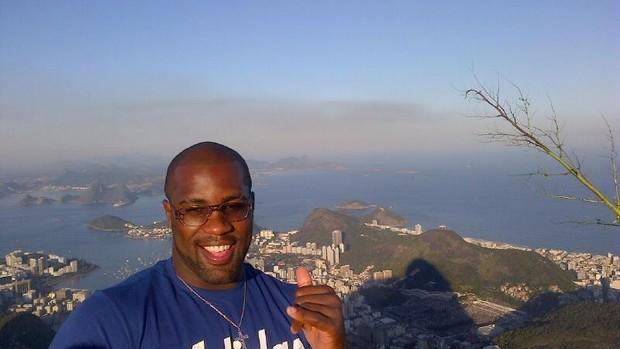 Teddy Riner no Corcovado, no Rio de Janeiro (Foto: Reprodução/Facebook)