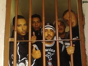 corintianos presos Bolívia (Foto: Ricardo Taves/Globoesporte.com)