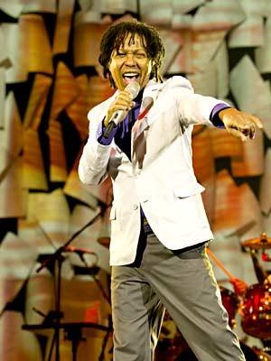 O cantor Djavan, que lança CD e DVD em show em Brasília (Foto: Marcos Hermes/Divulgação)