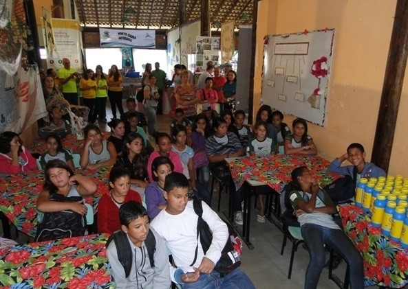 Ecoponto de Sâo Pedro funcina no Horto Escola, às margens da Rodovia Amaral Peixoto (Foto: Pierre Sampaio / Divulgação)