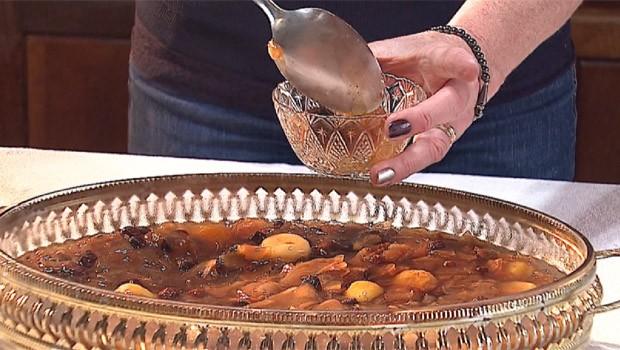 Veja como fazer uma sobremesa de frutas para o Natal (Foto: Reprodução/RPC)