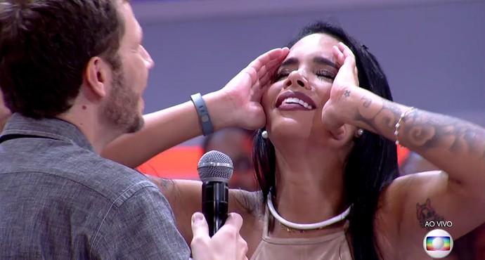 Mayara e Tiago Leifert (Foto: TV Globo)