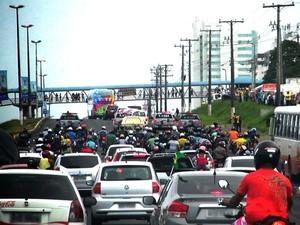 Espanha se atrasa por causa de congestionamento em Salvador (Foto: Sergio Gandolphi/GloboEsporte.com)