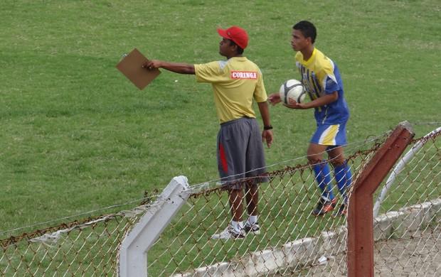 Jean, técnico do Sub-17 do CRB (Foto: Henrique Pereira / Globoesporte.com)