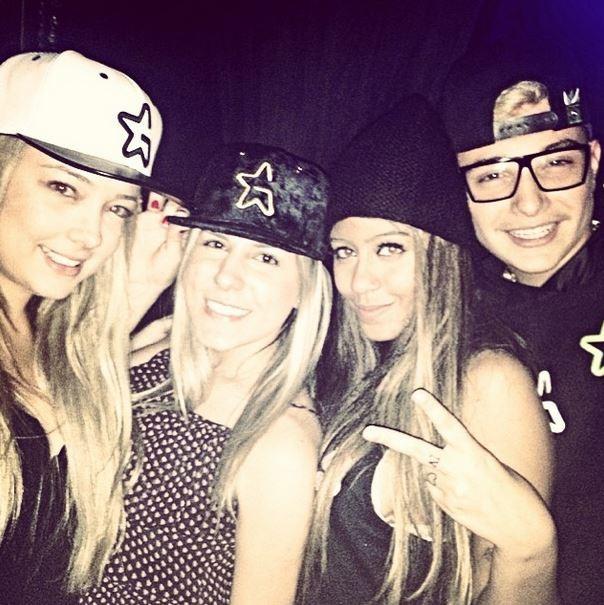 Irmã de Neymar, Rafaella Santos, curte noite com MC Gui e Carol Dantas (Foto: Instagram / Reprodução)