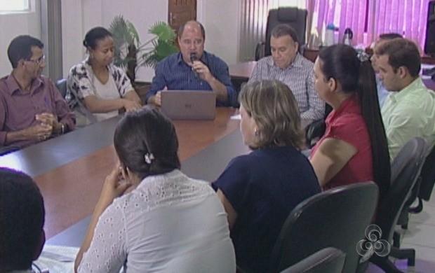 Prefeito reuniu a imprensa para falar sobre os R$ 4 milhões destinados as obras em Ji-Paraná (Foto: Bom Dia Amazônia)