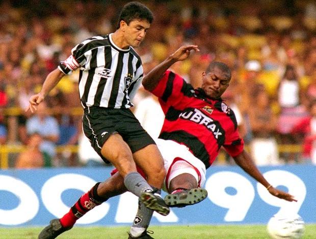Jorginho Flamengo Bebeto Botafogo arquivo 1999 (Foto: Arquivo / Agência O Globo)