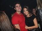 Pérola Faria curte a noite carioca com o namorado