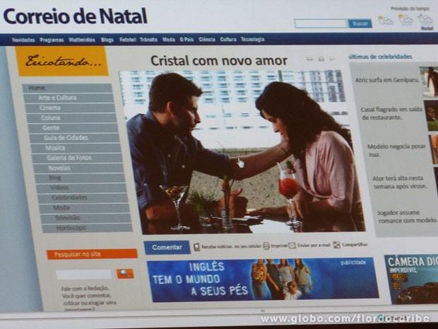 O paparazzo flagra os dois no momento que Cassiano consola Cristal (Foto: Flor do Caribe / TV Globo)