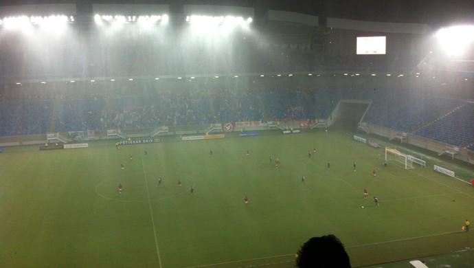 Arena das Dunas - chuva (Foto: Augusto Gomes)