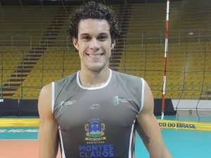 Dedicação e simpatiia são marcas registradas do jogador Tulio Nogueira (Foto: Fredson Souza)