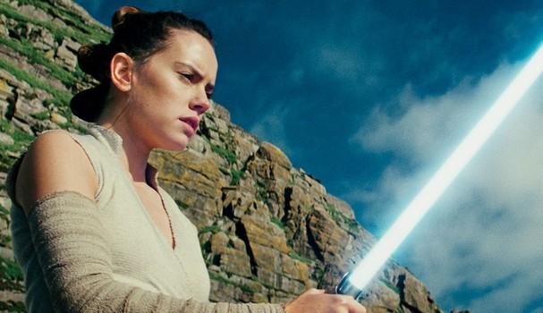 """Daisy Ridley em """"O Último Jedi"""" (Foto: Reprodução)"""