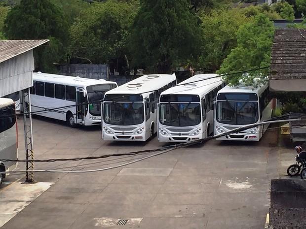 Primeiros veículos chegaram nesta terça-feira (26) em Blumenau (Foto: Osvaldo Sagaz/RBS TV)
