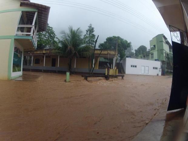 Chuva em Alfredo Chaves (Foto: Dirceu Cetto/ Prefeitura de Alfredo Chaves)