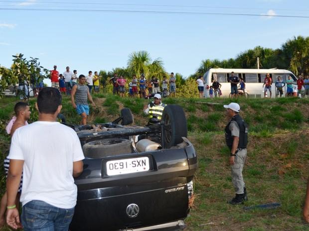 Acidente em Cruzeiro do Sul (Foto: Genival Moura/G1)