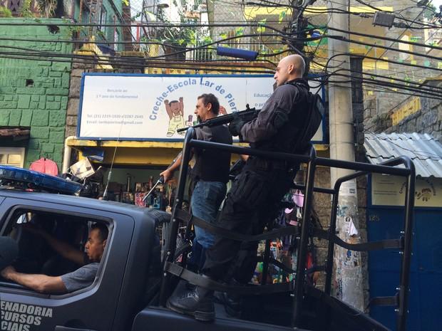 Polícia faz reconstituição da morte do dançarino DG (Foto: Káthia Mello / G1)