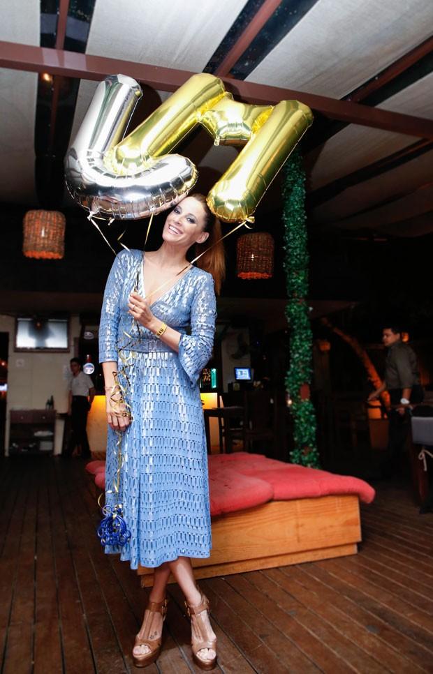 A aniversariante Maria João Bastos em sua festa no Rio (Foto: Divulgação)