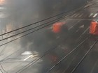 Ato na Avenida Marechal Rondon, no Rio, fecha pistas e queima latas de lixo