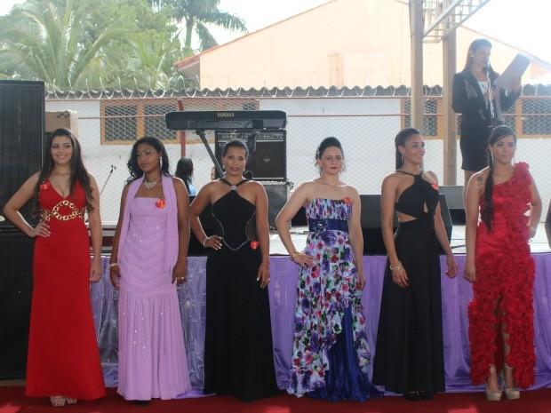Seis participantes do Miss Penitenciária 2013 (Foto: Nadyenka Castro/ G1 MS)