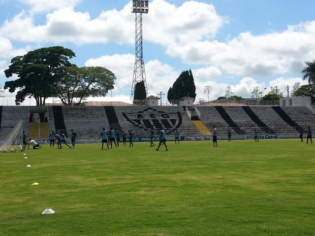 Araxá Esporte Treino (Foto: Maritza Borges)