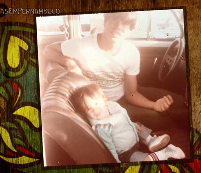 Marcos Pitombo pequenino ao lado do pai, Marcos Pitombo (Foto: Arquivo Pessoal)