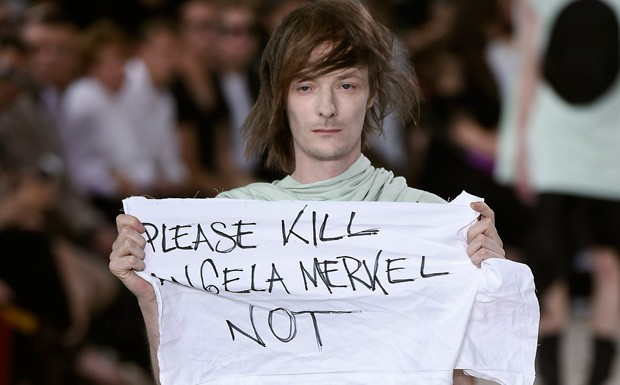 Rick Owens protesto (Foto: Getty Images)
