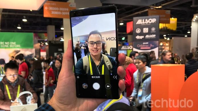CES 2017: Xiaomi Mi Mix tem tela de 6,4 polegadas (Foto: Thássius Veloso/TechTudo)