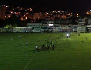 Apagão interrompe jogo de ida da final entre Conilon e Aracruz (Foto: Simon Diaz/Rádio ES)