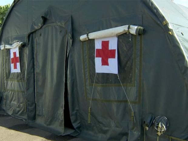 Equipe médica que fará atendimento nas tendas passou a manhã toda parada (Foto: Reprodução TV Morena)