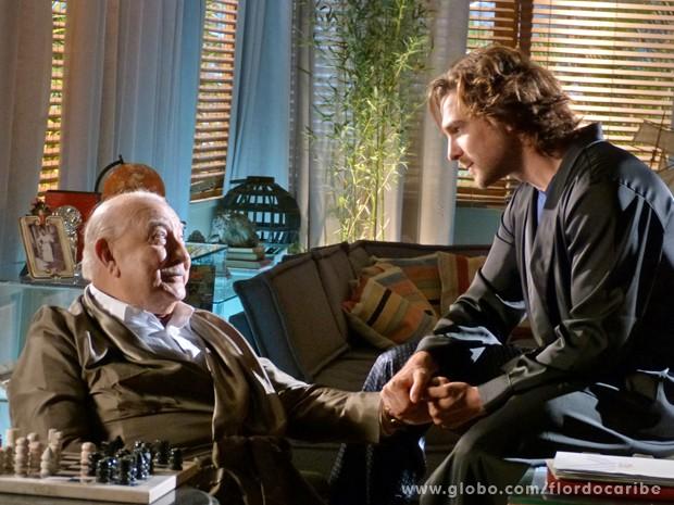 Alberto finge fazer as pazes com Dionísio (Foto: Flor do Caribe / TV Globo)