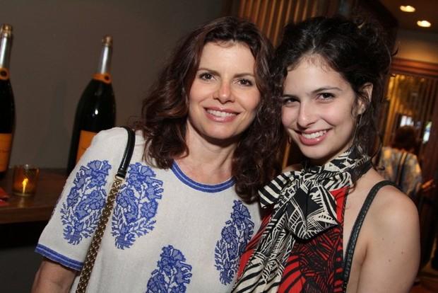 Débora Bloch e Julia Anquier em evento no Rio (Foto: Anderson Borde / AgNews)
