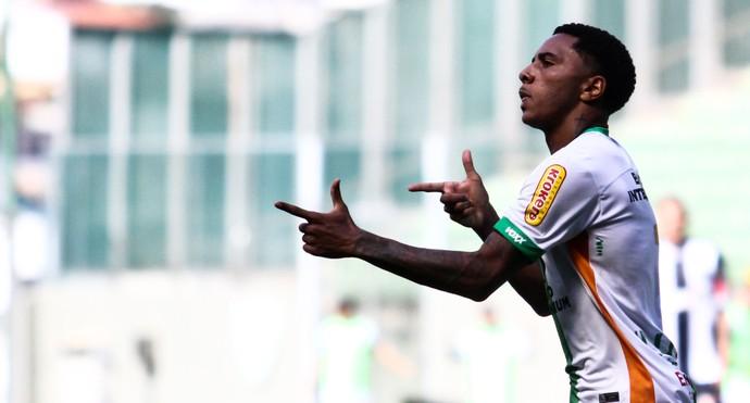 Osman América-MG Figueirense (Foto: FERNANDO MICHEL / Agência Estado)