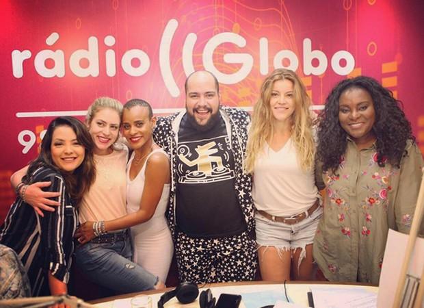 Li, Luciana, Aline. Tiago Abravanel, Fantine e Karin (Foto: Reprodução/Instagram)